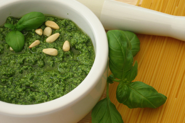 homemade-pesto